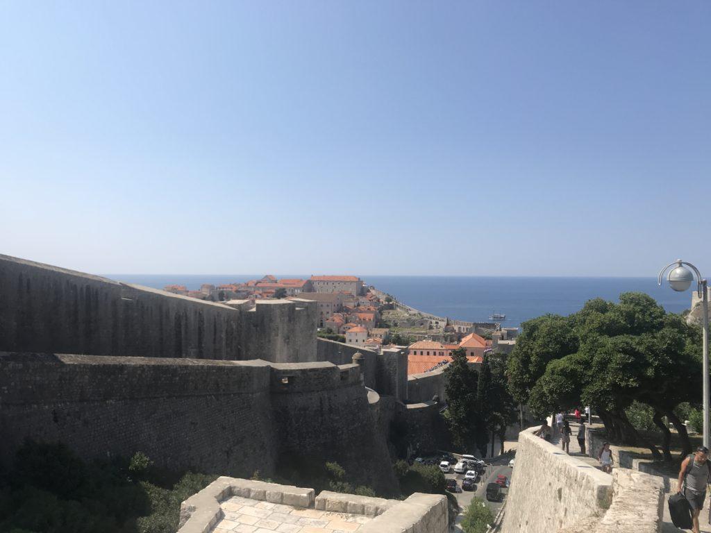 Dubrovnik Old Town - Şehir Surlarının dışarıdan bir görünümü