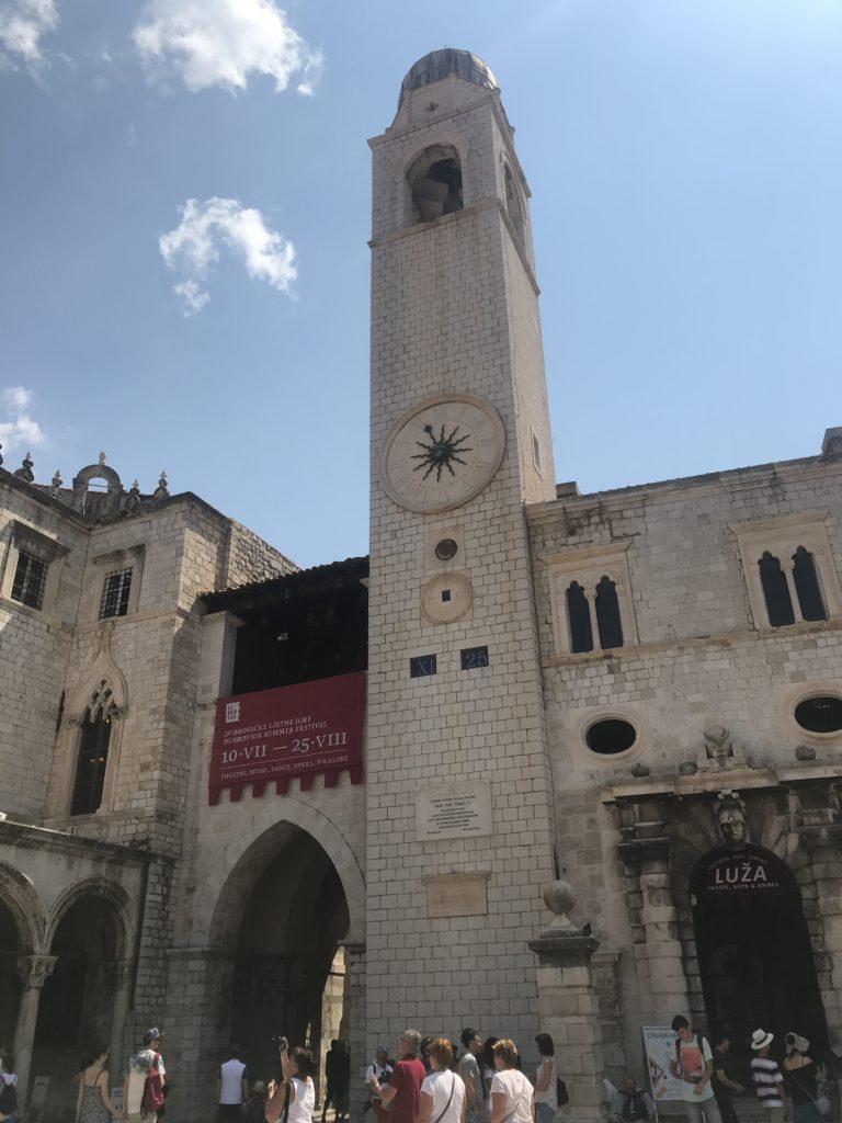 Dubrovnik Old Town - Meşhur Çan Kulesi görünümü